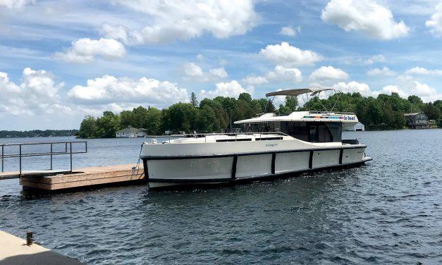 Le Fun on Le Boat: Cruising the Rideau Canal