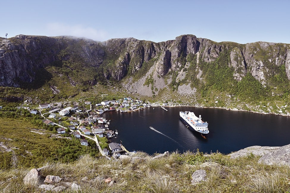 Canada – Cruising the best of Newfoundland with Adventure Canada